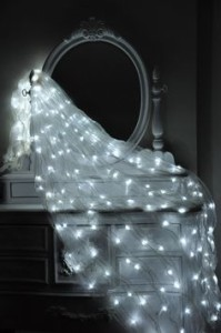 https://i.pinimg.com/236x/08/b5/a6/08b5a65b9963644b4be43cc96a9c16d4--bedroom-setup-master-bedroom.jpg